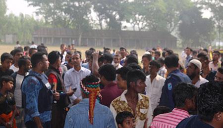 নরসিংদীতে আওয়ামী লীগের দুপক্ষের সংঘর্ষ,এসএসসি পরীক্ষার্থীসহ ৪ জন নিহত