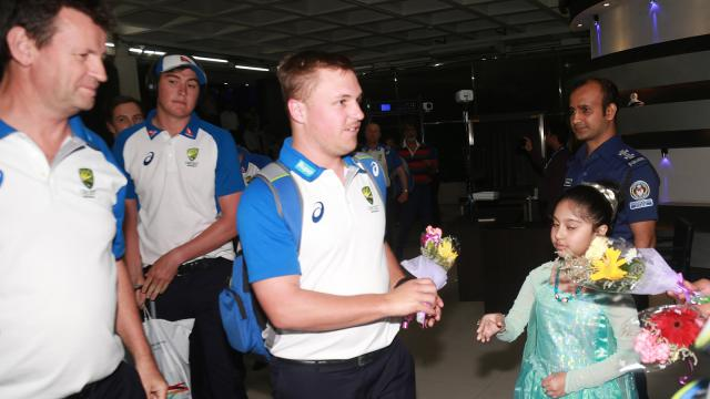 দীর্ঘ অপেক্ষার অবসান: ১১ বছর পর অবশেষে বাংলাদেশে এল অস্ট্রেলিয়া ক্রিকেট দল
